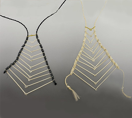 Twelve, set of neckpieces, 18ct gold, silver, muka